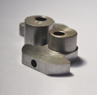 凸轮机构通常由两部份动件组成